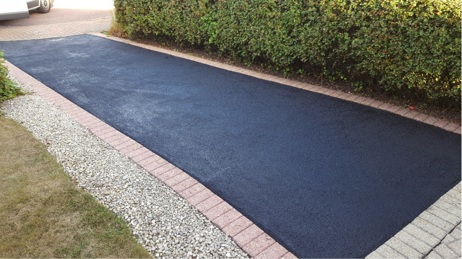 Hydrodynamix Kent provide in various colours to suit your Tarmac needs